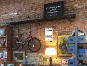 vintage-marketplace-sign